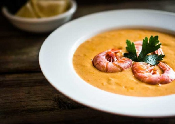 Rustic-Red-Pepper-and-Prawn-Bisquef-681x486